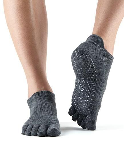 Socks_Grip_LowRise_FT_Charcoal.jpg