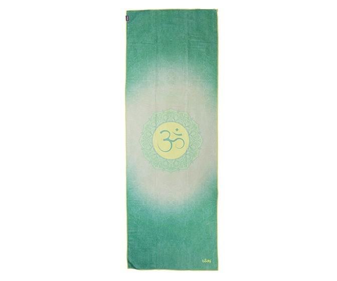 aio_yoga_yogatuch_grip_2_towel_all_is_om_above.jpg
