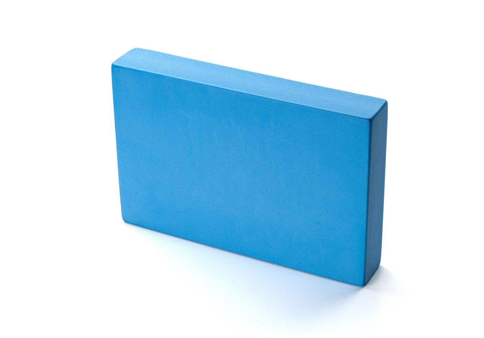 kurma_yoga_foam-block_plank_light-blue_standing.jpg