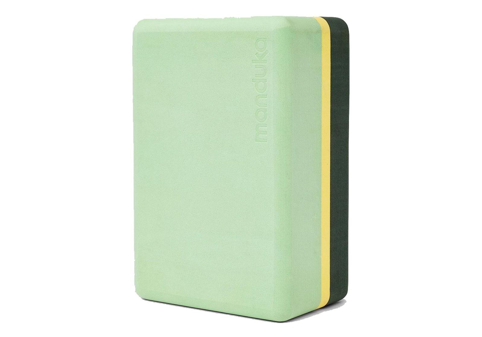blok-dlya-jogi-manduka-recycled-foam-yoga-block-green-ash